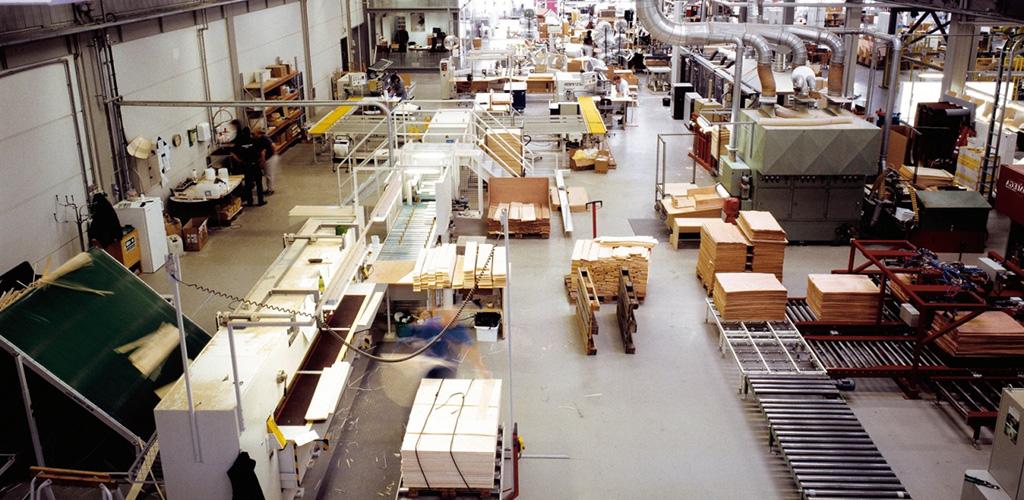 """Отзывы сотрудников """"много мебели"""". описание компании."""